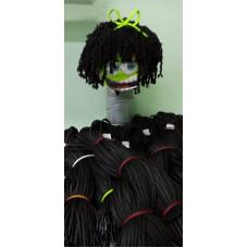 Кукла с использованием шнуров для вязания